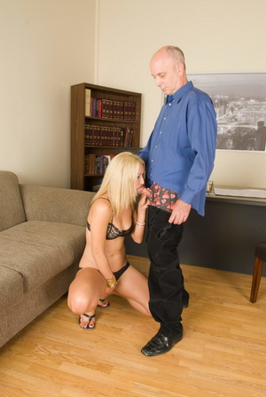 Slutty long-haired blonde bitch jumping  - XXX Dessert - Picture 15