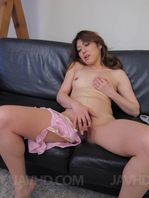 Lustful Asian mom undresses to pound her - XXX Dessert - Picture 4