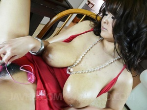 Hot mom in a red dress with huge tits us - XXX Dessert - Picture 8