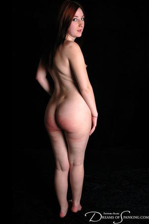 Naked ginger model posing on cam exposin - XXX Dessert - Picture 2
