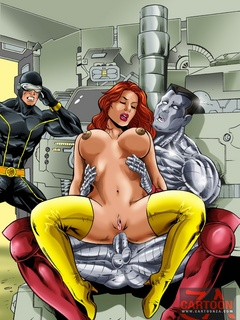 Gorgeous babes from the Avengers enjoy getting all - Picture 3