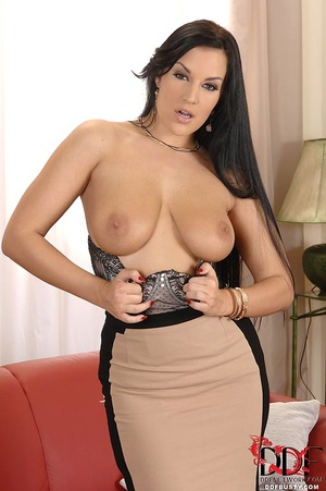 Busty babe in stockings undresses to pla - XXX Dessert - Picture 6