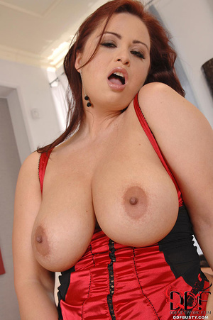Hot ginger babe with huge melons in a re - XXX Dessert - Picture 9
