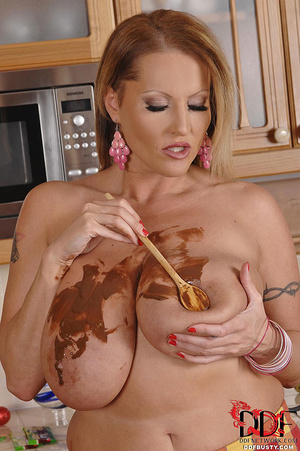 Nasty blonde housewife Laura gets naked  - XXX Dessert - Picture 12