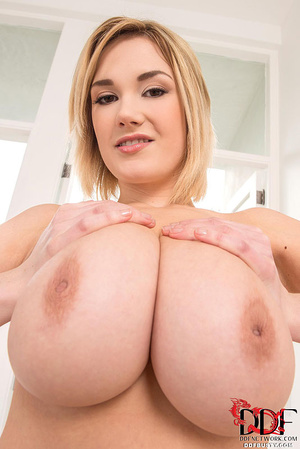 Busty blonde bitch in a nice pink linger - XXX Dessert - Picture 5