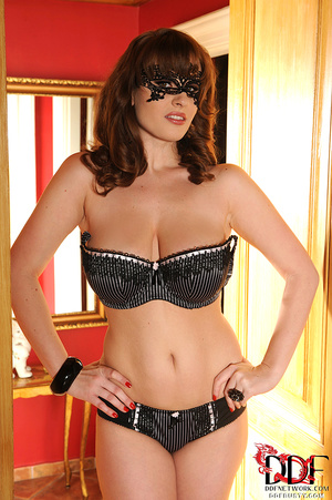 Stacked brunette milf in a black lace ma - XXX Dessert - Picture 8