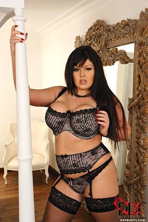 Bodacious brunette mom in sexy lingerie  - XXX Dessert - Picture 4