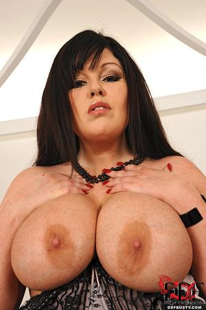Bodacious brunette mom in sexy lingerie  - XXX Dessert - Picture 6