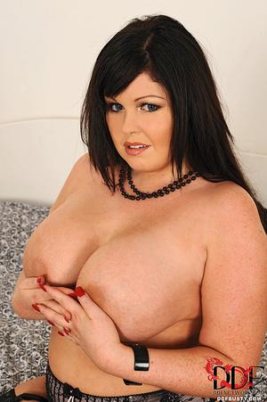 Bodacious brunette mom in sexy lingerie  - XXX Dessert - Picture 8