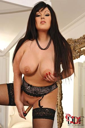 Bodacious brunette mom in sexy lingerie  - XXX Dessert - Picture 11