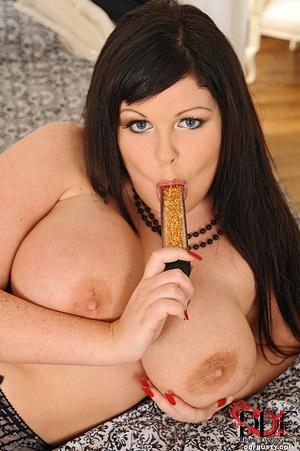 Bodacious brunette mom in sexy lingerie  - XXX Dessert - Picture 12