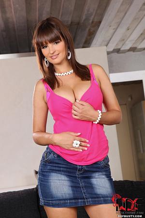 Sexy brunette babe in a jeans skirt undr - XXX Dessert - Picture 5