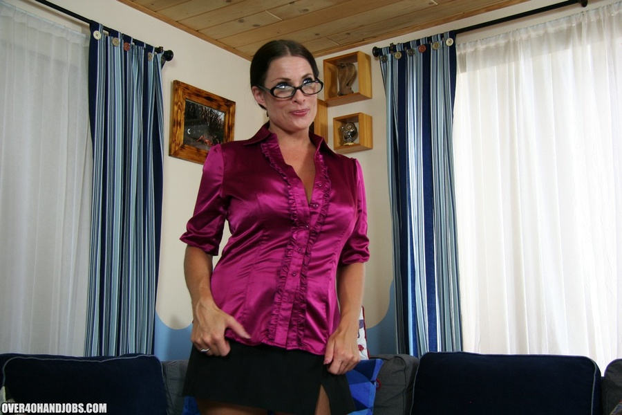 Hot ponytailed milf in glasses and sexy lin - XXX Dessert - Picture 1