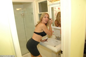 Nasty blonde mom is a real pro in giving - XXX Dessert - Picture 2