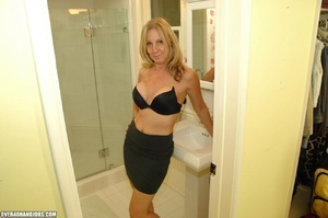 Nasty blonde mom is a real pro in giving - XXX Dessert - Picture 3