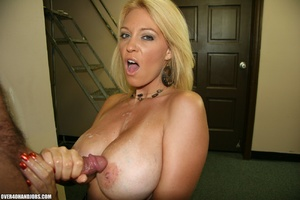 Busty blonde mom seduces an electrician  - XXX Dessert - Picture 12