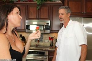 Curious brunette mom rubbing a thick man - XXX Dessert - Picture 2