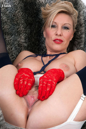 Blonde mom in red shoes and gloves and r - XXX Dessert - Picture 14
