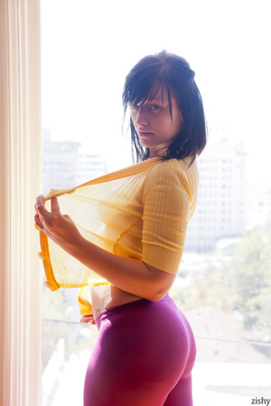 Hot ten with black hair in purple tights - XXX Dessert - Picture 2