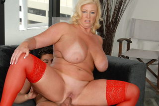 fat blonde mom red