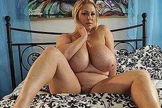 sexy blonde fatty demonstrating