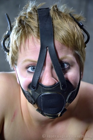 Blonde teen roped in a mask waiting her  - XXX Dessert - Picture 1