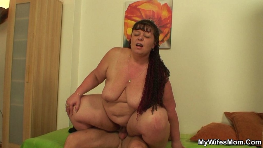 Mother In Law Gives A Handjob Reality Brunette