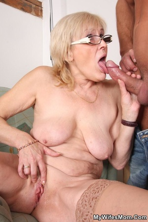 Horny dude seduces his mother-in-law to  - XXX Dessert - Picture 6