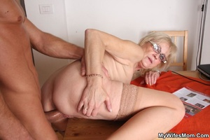 Horny dude seduces his mother-in-law to  - XXX Dessert - Picture 11