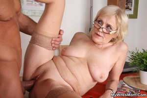 Horny dude seduces his mother-in-law to  - XXX Dessert - Picture 13
