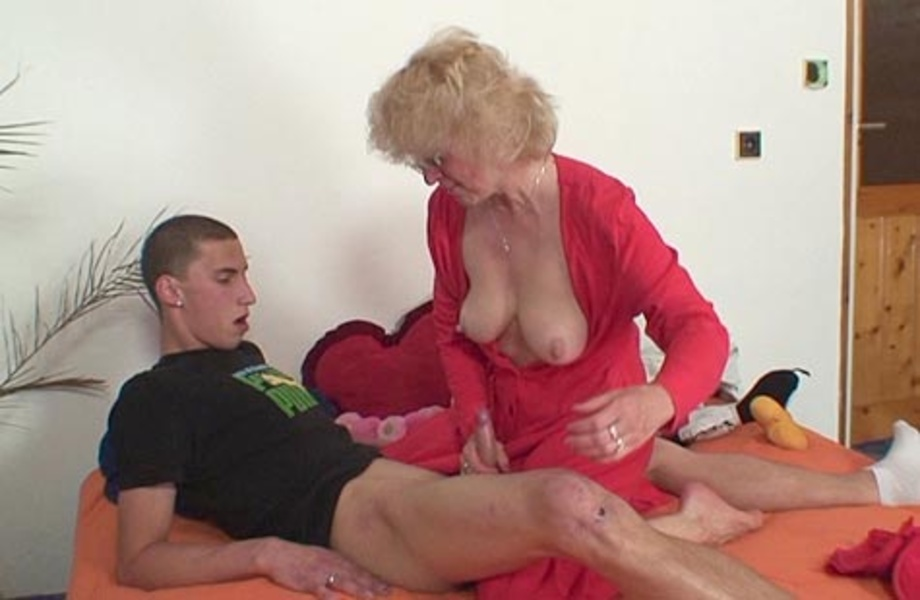 Famouse pornstar swallow compilation