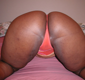 Big ass ebony slut gets her chocolate eye rimmed eagerly with a white
