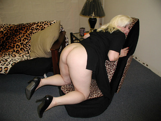 blonde mature gets assfucked