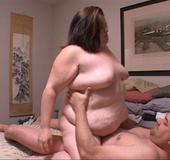 Fat brunette bitch sucks dick before aasfucking