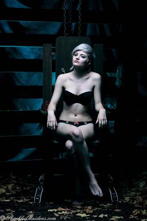 Blonde short-haired chick in a black lin - XXX Dessert - Picture 1