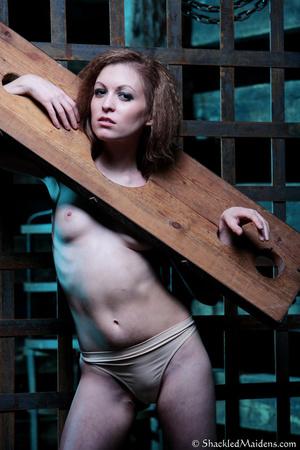 Brunette chick in beige panties posing i - XXX Dessert - Picture 10