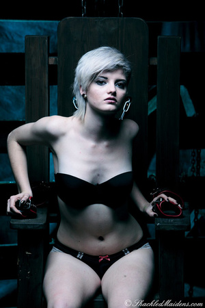 Blonde short-haired chick in a black lin - XXX Dessert - Picture 3
