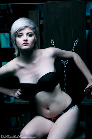 Blonde short-haired chick in a black lin - XXX Dessert - Picture 5