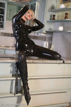 Tall blond babe in black latex and boot  - XXX Dessert - Picture 15