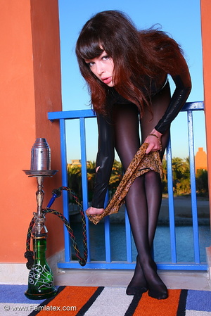Brunette babe in black latex and stockin - XXX Dessert - Picture 3
