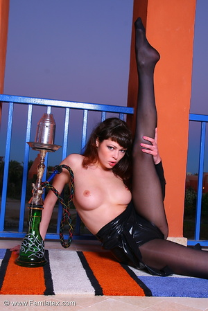 Brunette babe in black latex and stockin - XXX Dessert - Picture 10