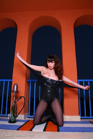 Brunette babe in black latex and stockin - XXX Dessert - Picture 12