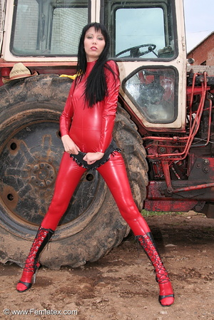 Black haired babe in red latex posing wi - XXX Dessert - Picture 6