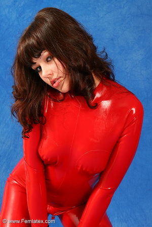 Brunette bombshell in red latex jumpsuit - XXX Dessert - Picture 5