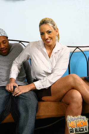 Blond materu rides black fatty rod. - XXX Dessert - Picture 3
