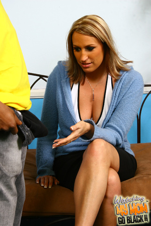 First time tasting black meat MILF show  - XXX Dessert - Picture 4