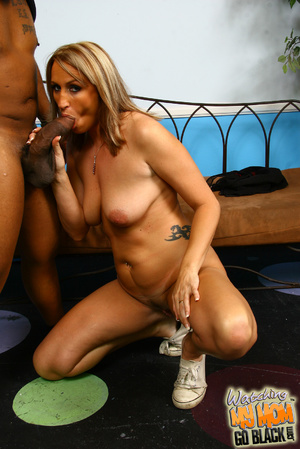 First time tasting black meat MILF show  - XXX Dessert - Picture 11