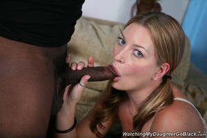 Teen surprised by her father in the midd - XXX Dessert - Picture 1