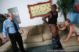 Teen surprised by her father in the midd - XXX Dessert - Picture 2