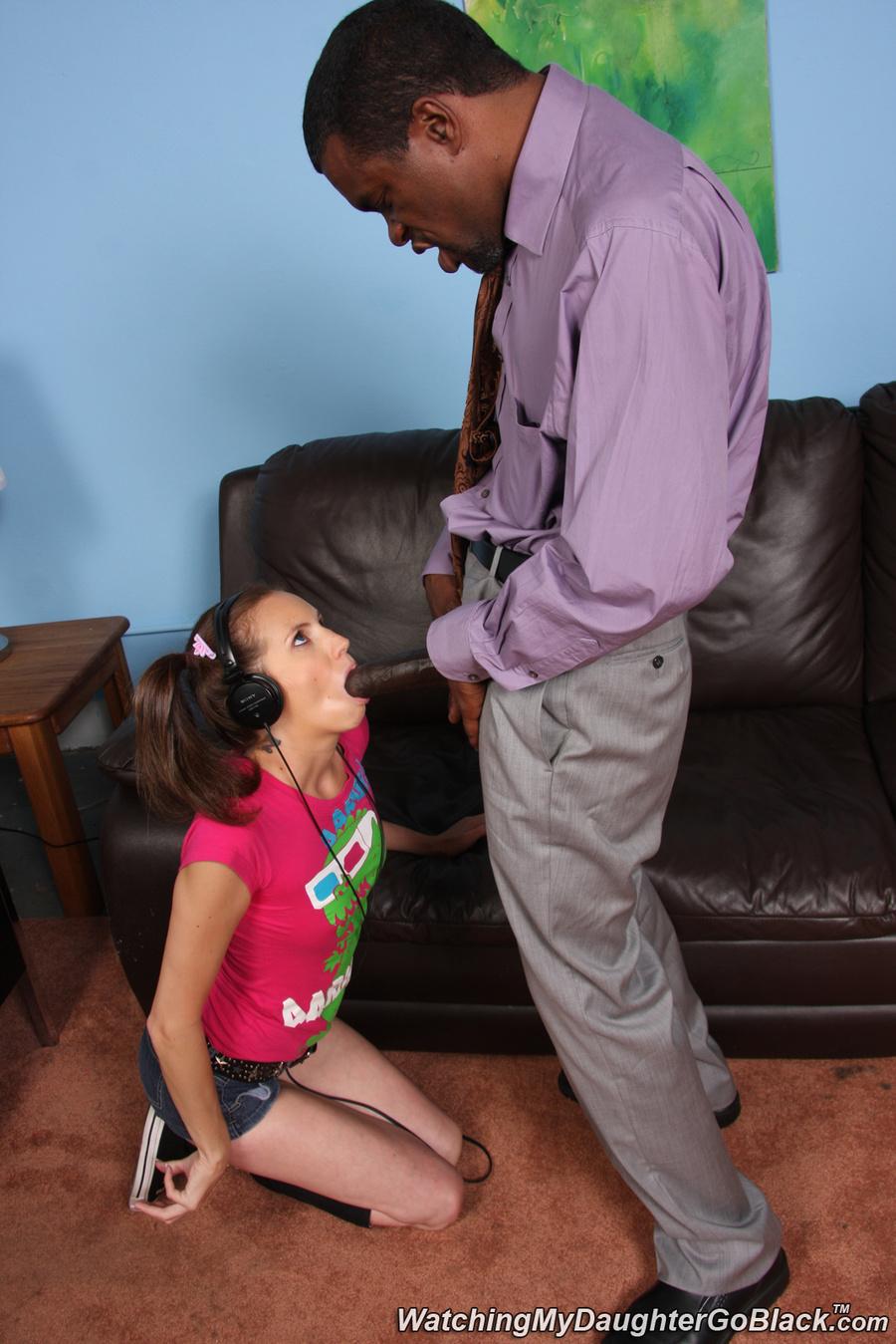 Daughter Shares Boyfriend Mom